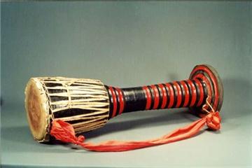 象脚鼓是哪个民族的乐器